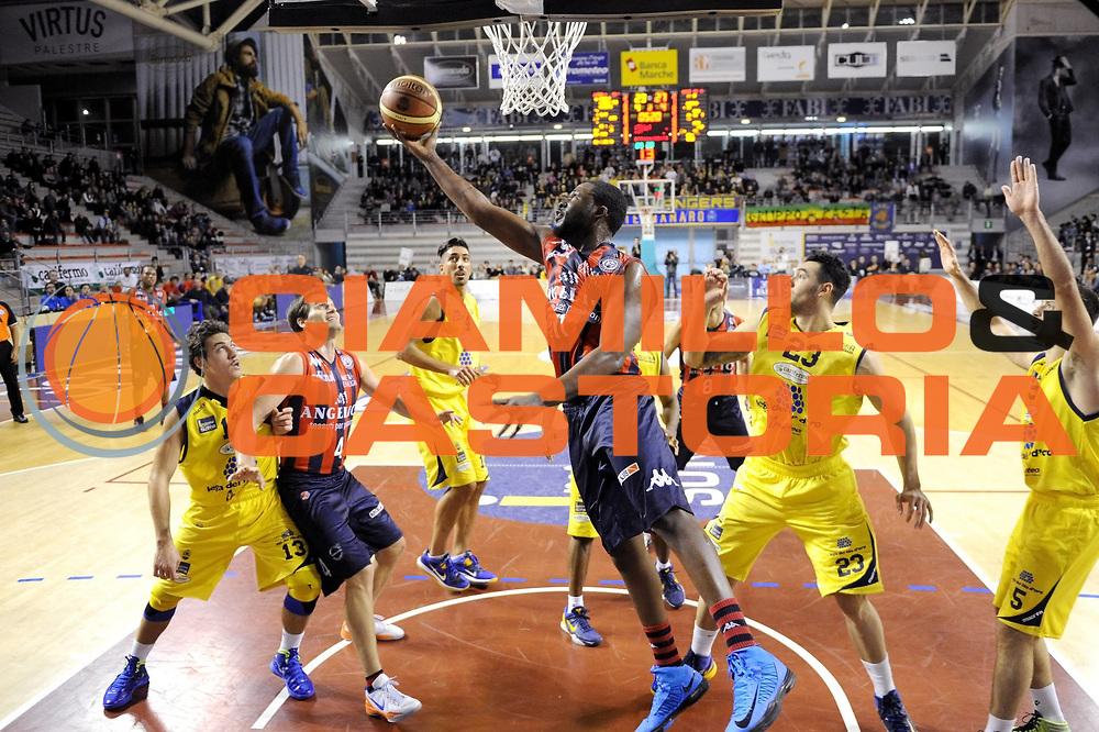 DESCRIZIONE : Ancona Lega A 2012-13 Sutor Montegranaro Angelico Biella<br /> GIOCATORE : Julian Mavunga<br /> CATEGORIA : tiro penetrazione<br /> SQUADRA : Angelico Biella<br /> EVENTO : Campionato Lega A 2012-2013 <br /> GARA : Sutor Montegranaro Angelico Biella<br /> DATA : 02/12/2012<br /> SPORT : Pallacanestro <br /> AUTORE : Agenzia Ciamillo-Castoria/C.De Massis<br /> Galleria : Lega Basket A 2012-2013  <br /> Fotonotizia : Ancona Lega A 2012-13 Sutor Montegranaro Angelico Biella<br /> Predefinita :