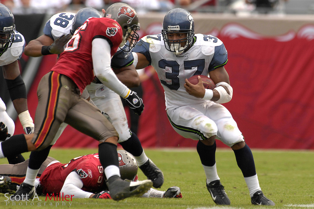 Seattle Seahawks running back Shaun Alexander (37) during during the Seahawks game against the  Tampa Bay Buccaneers at Raymond James Stadium on Dec. 31, 2006 in Tampa, Florida......©2006 Scott A. Miller