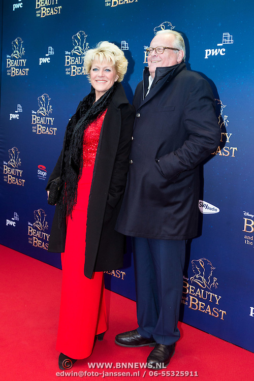 NLD/Scheveningen/20151213 - Premiere musical Beauty and the Beast, Simone Kleinsma en partner Guus Verstraete
