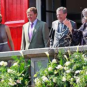 NLD/Weert/20110430 - Koninginnedag 2011 in Weert, balkonscene, Maxima, Willem - Alexander en Beatrix