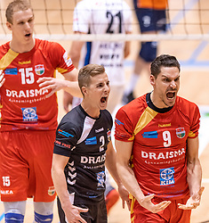 14-04-2019 NED: Achterhoek Orion - Draisma Dynamo, Doetinchem<br /> Orion win the fourth set and play the final round against Lycurgus. Dynamo won 2-3 / Renzo Verschuren #9 of Dynamo, Dustin Bontrop #2 of Dynamo
