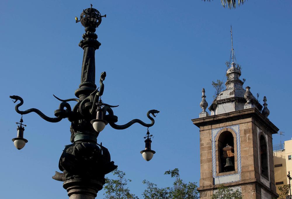 Rio de Janeiro_RJ, Brasil...Detalhe do Lampadario Monumental do Largo da Lapa, Rio de Janeiro...The monumental lamp in Lapa, Rio de Janeiro...Foto: BRUNO MAGALHAES / NITRO