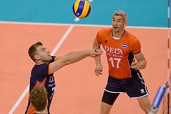 31-05-2015 NED: CEV EK Kwalificatie Nederland - Spanje, Doetinchem<br /> Nederland wint met 3-1 van Spanje en plaatst zich voor het EK in Bulgarije en Italie / Gijs Jorna #7, Rob Bontje #17