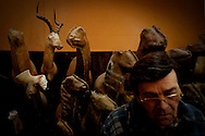 PMM#280110_The Chase_ Taxidermist Vitor Coelho.