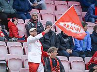 Fotball , 10. april 2019 , Eliteserien , Brann  - Kristiansund<br /> illustrasjon , supporter , flagg , fan , fans BRANN