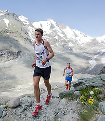 21.07.2013, Kaiser Franz Josefs Hoehe, Heiligenblut, AUT, Grossglockner Berglauf 2013, im Bild Robbi Simpson (SCO) // Robbie Simpson from Scotland during the Grossglockner Mountain Race 2013 at Kaiser Franz Josefs Hoehe, Austria on 2013/07/21, EXPA Pictures © 2013, PhotoCredit EXPA Michael Gruber