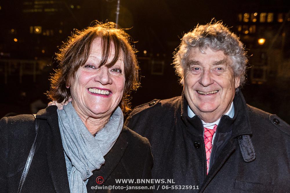 NLD/Amsterdam/20161222 - Première 32ste Wereldkerstcircus, Tonny Eyk en partner Liesbeth Vasbinder