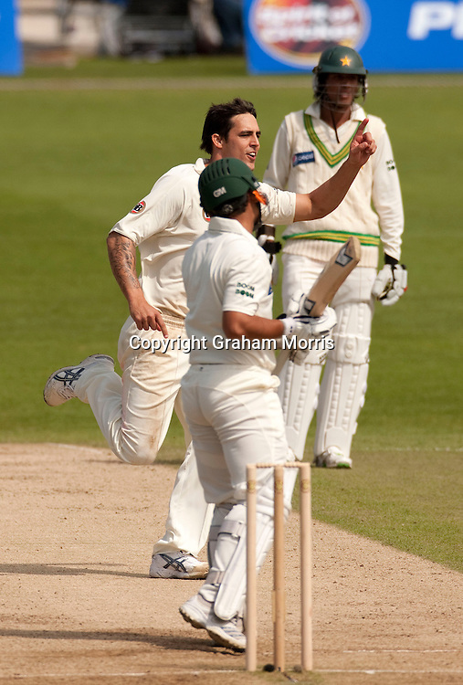With only one run left to win, Kamran Akmal is caught off the bowling of Mitchell Johnson (left) during the second MCC Spirit of Cricket Test Match between Pakistan and Australia at Headingley, Leeds.  Photo: Graham Morris (Tel: +44(0)20 8969 4192 Email: sales@cricketpix.com) 24/07/10