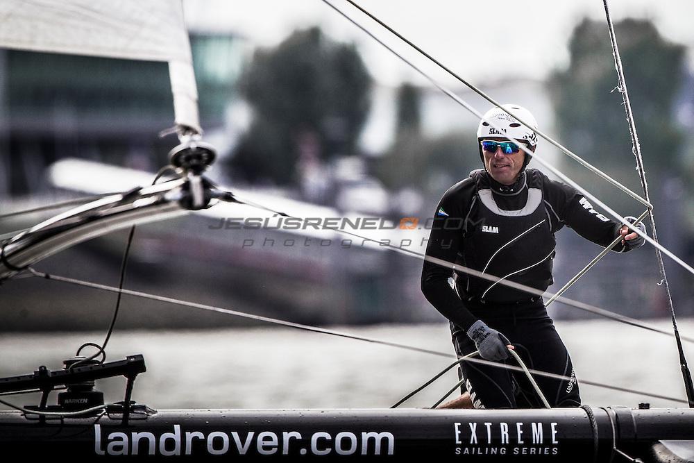 2015 Extreme Sailing Series - Act 5 - Hamburg<br /> Lino Sonego Team Italia skippered by Lorenzo Bressani (ITA) and crewed by Enrico Zennaro (ITA), Stefano Rizzi (ITA), Stefano Ciampalini (ITA) and Manuel Modena (ITA)<br /> Credit Jesus Renedo