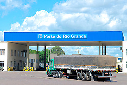 Entrada do Porto de Rio Grande. FOTO: Alfonso Abraham/Preview.com