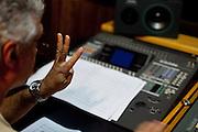 Belo Horizonte, 90 de Abril de 2011..Misturada Orquestra..Gravacao de disco no estudio Bemol..Foto: Leo Drumond / NITRO