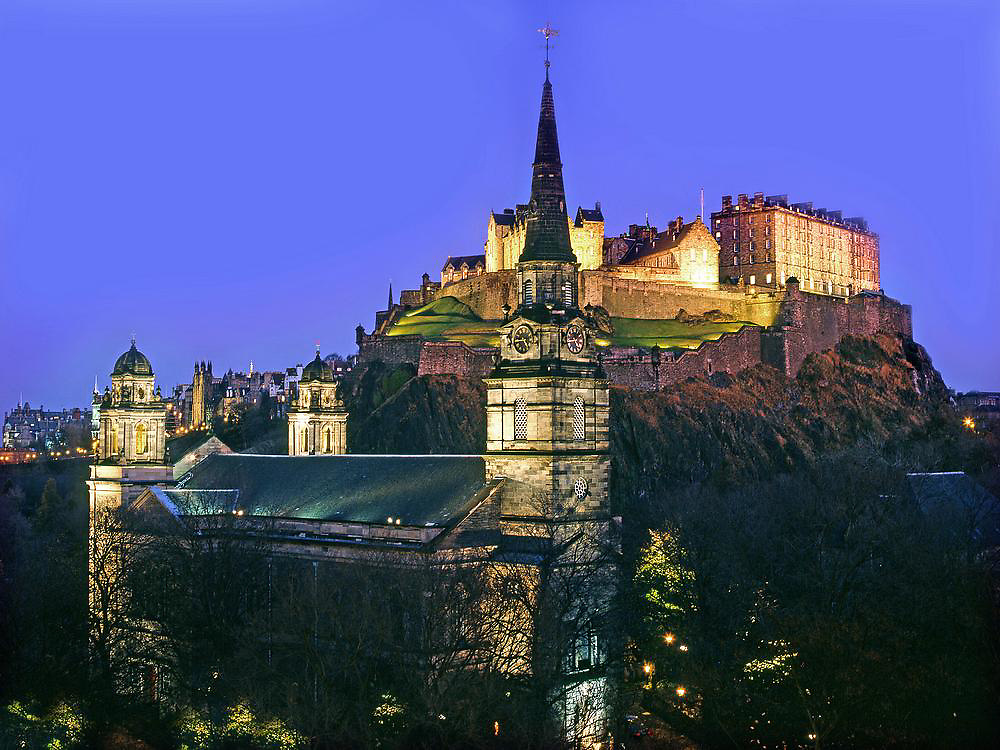 Edinburgh Castle and Saint Cuthberts church, City of Edinburgh, Lothian.
