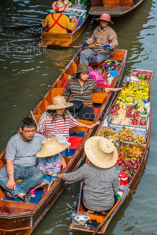 Bangkok, Thailand - December 30, 2013: Amphawa Bangkok floating market at Bangkok, Thailand on december 30th, 2013