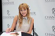 Bella Thorne at Chandler Fashion Center