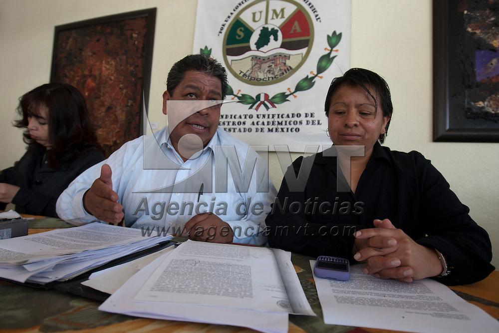 TOLUCA, Mexico.- Luis Zamora Calzada, lider del SUMAEM, durate una conferencia de prensa esta mañana. Agencia MVT / Mario Vazquez de la Torre. (DIGITAL)