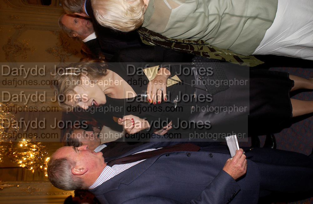 Flora Fraser, Flora Fraser launch party for her book ' Princesses the Daughters of George 111' the Savile club, Brook St. 14 September 2004. SUPPLIED FOR ONE-TIME USE ONLY-DO NOT ARCHIVE. © Copyright Photograph by Dafydd Jones 66 Stockwell Park Rd. London SW9 0DA Tel 020 7733 0108 www.dafjones.com