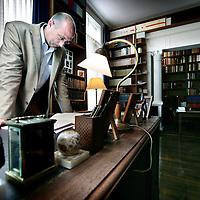 """Nederland,Vlijmen ,5 juni 2008..Rob Riemen, directeur Nexus Instituut en schrijver van het boek Nobility of Spirit. Rob Belts, Director Nexus Institute and author of """"Nobility of Spirit."""