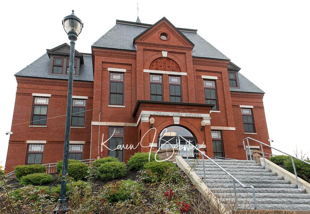 Laconia District Court on Academy Street Laconia, NH.  (Karen Bobotas/Photographer)