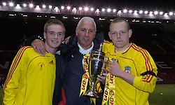 Manchester, England - Thursday, April 26, 2007: Liverpool Director of Youth Steve Heighway (C) with Steve Irwin (L) and captain Jay Spearing (R) celebrate with the trophy after beating Manchester United on penalties to win the FA Youth Cup for the second successive year during the FA Youth Cup Final 2nd Leg at Old Trafford. (Pic by David Rawcliffe/Propaganda)