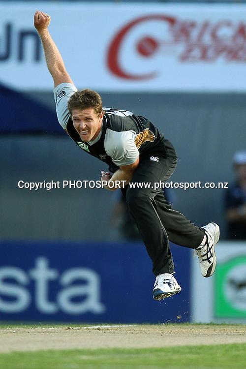 NZ's Michael Bates. New Zealand Black Caps v Zimbabwe, International Twenty-20 at Eden Park, Auckland, New Zealand. Saturday 11th February. Photo: Anthony Au-Yeung / photosport.co.nz