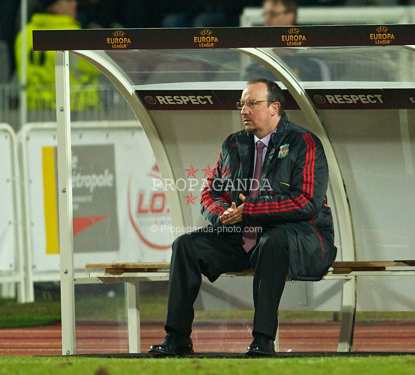 LILLE, FRANCE - Thursday, March 11, 2010: Liverpool's manager Rafael Benitez during the UEFA Europa League Round of 16 1st Leg match against LOSC Lille Metropole at the Stadium Lille-Metropole. (Photo by David Rawcliffe/Propaganda)