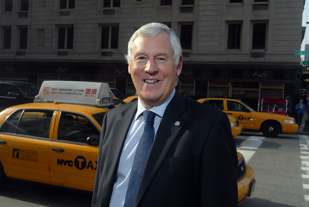 HSBC - Thought Exchange New York - exchange finalists visit Verrex in Mountainside, NJ. Paul Grant (MD, Mackay's Ltd)