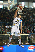 DESCRIZIONE : Cremona Lega A 2011-2012 Vanoli Braga Cremona Sidigas Avellino<br /> GIOCATORE : Daniele Cinciarini<br /> SQUADRA : Vanoli Braga Cremona<br /> EVENTO : Campionato Lega A 2011-2012<br /> GARA : Vanoli Braga Cremona Sidigas Avellino<br /> DATA : 25/04/2012<br /> CATEGORIA : Schiacciata<br /> SPORT : Pallacanestro<br /> AUTORE : Agenzia Ciamillo-Castoria/F.Zovadelli<br /> GALLERIA : Lega Basket A 2011-2012<br /> FOTONOTIZIA : Cremona Campionato Italiano Lega A 2011-12 Vanoli Braga Cremona Sidigas Avellino<br /> PREDEFINITA :
