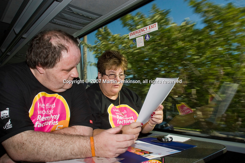 Dave Reed, Liverpool, and Lorain Sheen, Poole, on the Remploy Crusade for Disabled Workers Jobs 2007  coach...© Martin Jenkinson, tel 0114 258 6808 mobile 07831 189363 email martin@pressphotos.co.uk. Copyright Designs & Patents Act 1988, moral rights asserted credit required. No part of this photo to be stored, reproduced, manipulated or transmitted to third parties by any means without prior written permission