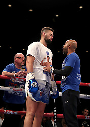 Tony Bellew speaks with his trainer Dave Coldwell before the start of his fight against BJ Flores for the WBC World cruiserweight title at the Echo Arena, Liverpool. PRESS ASSOCIATION Photo. Picture date: Saturday October 15, 2016. See PA story BOXING Liverpool. Photo credit should read: Peter Byrne/PA Wire