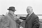 Dublin Cattle Market. Co. Kildare farmers Dennis Nolan (left), Newbridge, and John Boland, Monasterevin..25.04.1962