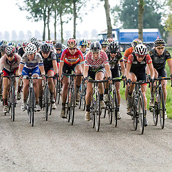 03-09-2015: Wielrennen: Ladiestour: Tiel <br /> TIEL (NED) wielrennen<br /> De derde etappe was rond Tiel en ging door de Betuwe. Peloton met alle favorieten schoot te laat in gan
