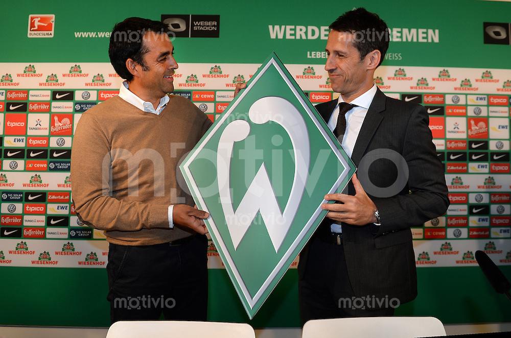 FUSSBALL   1. BUNDESLIGA   SAISON 2013/2014  SV Werder Bremen stellt Robin Dutt im Rahmen einer Pressekonferenz in Bremen am 28.05.2013 als neuen Cheftrainer vor.  ROBIN DUTT (li) und Manager Thomas Eichin (re, beide Werder Bremen)
