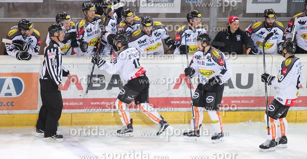 11.10.2015, Tiroler Wasserkraft Arena, Innsbruck, AUT, EBEL, HC TWK Innsbruck die Haie vs Dornbirner Eishockey Club, 10. Runde, im Bild Torjubel Dornbirner Eishockey Club nach dem Tor zum  1:2 durch Christopher D'Alvise (Dornbirner Eishockey Club) // during the Erste Bank Icehockey League 10th round match between HC TWK Innsbruck  die Haie and Dornbirner Eishockey Club at the Tiroler Wasserkraft Arena in Innsbruck, Austria on 2015/10/11, EXPA Pictures © 2015, PhotoCredit: EXPA/ Jakob Gruber