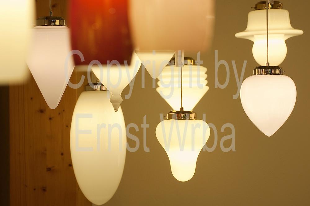 Lampen,Produkte der Glasmanufaktur Harzkristall, Derenburg,  Harz, Sachsen-Anhalt, Deutschland | Glass lamps, products of Harzkristall, Derenburg, Harz, Saxony-Anhalt, Germany