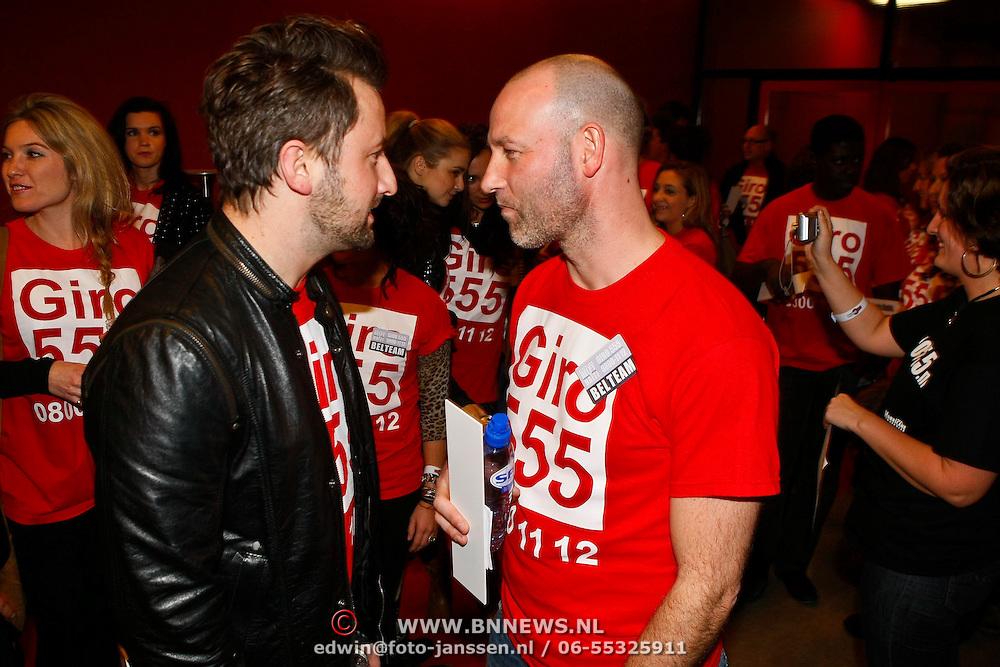 NLD/Hilversum/20100121 - Benefietactie voor het door een aardbeving getroffen Haiti, Dennis Weenink en Eddy Zoey