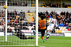 Thomas Ince of Derby County scores a goal to make it 1-0 - Mandatory by-line: Robbie Stephenson/JMP - 05/11/2016 - FOOTBALL - Molineux - Wolverhampton, England - Wolverhampton Wanderers v Derby County - Sky Bet Championship