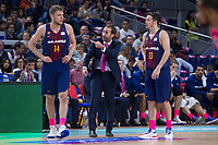 FC Barcelona Lassa coach Sito Alonso talking with Aleksandar Vezenkov and Thomas Heurtel during Liga Endesa match between Estudiantes and FC Barcelona Lassa at Wizink Center in Madrid, Spain. October 22, 2017. (ALTERPHOTOS/Borja B.Hojas)