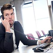 Foto: David Rozing Nederland Amsterdam 19-04-2014 20140419 Model released Model release aanwezig. Man doet belangrijk telefoontje, eigen onderneming starten in nieuw leeg bedrijfspand, de bank bellen,  telefonisch overleg, crisis, crisisberaad, erop of eronder, hekele situatie, spannend gesprek, uitslag vernemen, update krijgen, managen, manager, irritatie, management.n David Rozing; Inkomen; Vakmanschap; activiteit; afgeronde studie; afgestudeerde; afgestudeerden; ambitieuze; ambitite; ambititeus; analyseren; arbeid; arbeidsmarkt; arbeidzaam; arbeidzame; arbo regels; arbo wetgeving; arboregels; baan; baanzekerheid; banen; bedrijf; bedrijf starten; bedrijfscultuur; bedrijfsleven; bedrijvigheid; beheersgerichte cultuur; belabgen; belangrijk gesprek; belangrijk telefoongesprek; belletje maken; bereikbaar; bereikbaarheid; beroep; beroepen; beroepsgroep; besluitvaardigheid; besturen; bestuursfunctie; breinwerker; bureaubaan; bureauwerk; business; business meeting; career; carriere; carriere mogelijkheden; carrierestappen; carrièreverloop; collega; collega's; communicatie; communicatie technologie.; communicatiemiddel; communicatiemiddelen; communicatieve vaardigheden; communiceren; concentratie; conversatie; converseren; craftmanship; creatieve; creatieve oplossingen; creativiteit; de ander een handje helpen; de handen armen uit de mouwen steken; de kost verdien; de mouwen opstropen; denken; discipline; doelen; doelstellingen; dutch; efficiency; efficient werken; employee; employees; ervaring opdoen; excelleren; experimenteren; financieel plan; financiele planning; financiele zekerheid; flexibel; flexibiliteit; formeel; formeel gekleed; formele; geconcentreerd; gedisciplineerd; gedisciplineerde; gedreven; gedrevenheid; geld verdienen; generatie Y; genieten; gespannen situatie; gesprek; goal; goed betaald; goed betaalde; goede werklust; grenzeloze generatie; groei; groeien; groot talent; grote belangen; grote verantwoordelijheid; heer; heertje; heertjes; heren; high pot