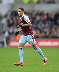 West Ham United's Ravel Morrison sears gloves - Photo mandatory by-line: Joe Meredith/JMP - Tel: Mobile: 07966 386802 27/10/2013 - SPORT - FOOTBALL - Liberty Stadium - Swansea - Swansea City v West Ham United - Barclays Premier League