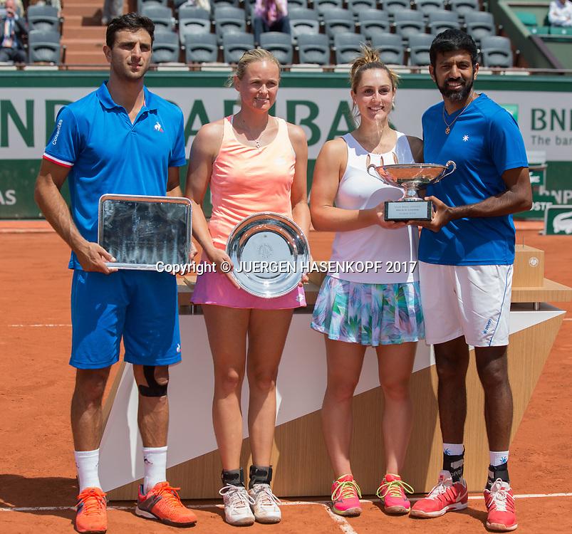 ROBERT FARAH (COL) / ANNA-LENA GROENEFELD (GER) und rechts die Sieger GABRIELA DABROWSKI (CAN) / ROHAN BOPANNA (IND), Mixed Doubles Finale<br /> <br /> Tennis - French Open 2017 - Grand Slam / ATP / WTA / ITF -  Roland Garros - Paris -  - France  - 8 June 2017.