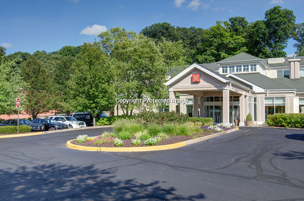 Hilton Garden Inn Norwalk, CT Exterior Day