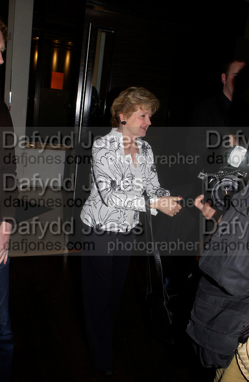 Julia Mackenzie. Old Vic's The Philadelphia Story Opening night party, Trafalgar. Trafalgar Sq. London. 11 May 2005. ONE TIME USE ONLY - DO NOT ARCHIVE  © Copyright Photograph by Dafydd Jones 66 Stockwell Park Rd. London SW9 0DA Tel 020 7733 0108 www.dafjones.com