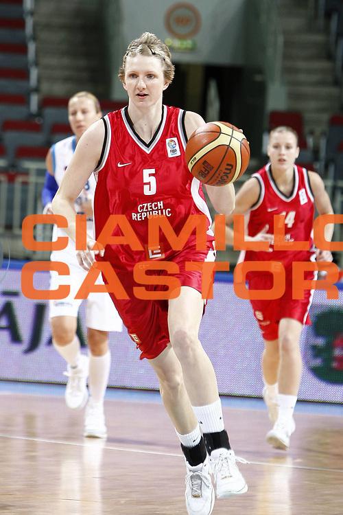 DESCRIZIONE : Riga Latvia Lettonia Eurobasket Women 2009 Qualifying Round Grecia Repubblica Ceca Greece Czech Republic<br /> GIOCATORE : Petra Manakova<br /> SQUADRA : Repubblica Ceca Czech Republic<br /> EVENTO : Eurobasket Women 2009 Campionati Europei Donne 2009 <br /> GARA : Grecia Repubblica Ceca Greece Czech Republic<br /> DATA : 13/06/2009 <br /> CATEGORIA : palleggio<br /> SPORT : Pallacanestro <br /> AUTORE : Agenzia Ciamillo-Castoria/E.Castoria<br /> Galleria : Eurobasket Women 2009 <br /> Fotonotizia : Riga Latvia Lettonia Eurobasket Women 2009 Qualifying Round Grecia Repubblica Ceca Greece Czech Republic<br /> Predefinita :