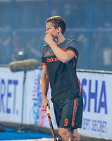 BHUBANESWAR, INDIA -  Seve van Ass (Ned)  ziet zijn shoot-out gestopt worden door keeper Vincent Vanasch (Belgie)  tijdens de  finale tussen België en Nederland bij het WK Hockey heren in het Kalinga Stadion. COPYRIGHT KOEN SUYK
