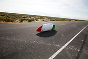 Andrea Gallo tijdens de zesde en laatste racedag. In Battle Mountain (Nevada) wordt ieder jaar de World Human Powered Speed Challenge gehouden. Tijdens deze wedstrijd wordt geprobeerd zo hard mogelijk te fietsen op pure menskracht. De deelnemers bestaan zowel uit teams van universiteiten als uit hobbyisten. Met de gestroomlijnde fietsen willen ze laten zien wat mogelijk is met menskracht.<br /> <br /> In Battle Mountain (Nevada) each year the World Human Powered Speed ??Challenge is held. During this race they try to ride on pure manpower as hard as possible.The participants consist of both teams from universities and from hobbyists. With the sleek bikes they want to show what is possible with human power.