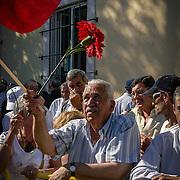 CENTENAS DE MILHAR DE PESSOAS ASSISTEM AO CORTEJO FÚNEBRE DE ÁLVARO CUNHAL, LISBOA, 15 DE JUNHO DE 2005
