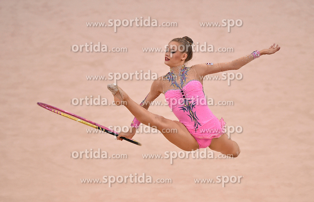 08.09.2015, Porsche Arena, Stuttgart, GER, Gymnastik WM, Gruppe D, im Bild Jelizaveta Gamalejeva (LAT) Reifen // during the World Rhythmic Gymnastics Championships at the Porsche Arena in Stuttgart, Germany on 2015/09/08. EXPA Pictures &copy; 2015, PhotoCredit: EXPA/ Eibner-Pressefoto/ Weber<br /> <br /> *****ATTENTION - OUT of GER*****
