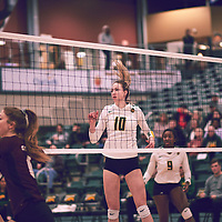 3rd year middle blocker, Brooklyn Reynolds (10) of the Regina Cougars during the Women's Volleyball home game on Fri Jan 25 at Centre for Kinesiology, Health & Sport. Credit: Arthur Ward/Arthur Images