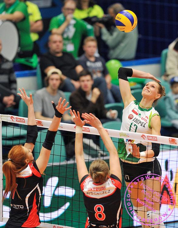 Wroclaw 05/10/2014 Mecz Orlen Ligi Impel Wroclaw v KS Palac Bydgoszcz.<br /> Na zdj. Atakuje Joanna Kaczor /Impel/<br /> Fot. Piotr Hawalej