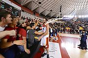 DESCRIZIONE : Roma Lega A 2012-13 Acea Roma Juve Caserta<br /> GIOCATORE : Luigi Datome<br /> CATEGORIA : curiosita esultanza tifosi<br /> SQUADRA : Acea Roma<br /> EVENTO : Campionato Lega A 2012-2013 <br /> GARA : Acea Roma Juve Caserta<br /> DATA : 28/10/2012<br /> SPORT : Pallacanestro <br /> AUTORE : Agenzia Ciamillo-Castoria/GiulioCiamillo<br /> Galleria : Lega Basket A 2012-2013  <br /> Fotonotizia : Roma Lega A 2012-13 Acea Roma Juve Caserta<br /> Predefinita :